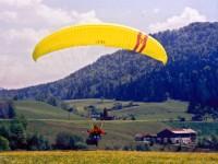 Benni Friedli mit dem Phantom - Landeanflug in meinem Lieblingsfluggebiet St.Jean / Dormillouse (Hautes Alpes de Provence)