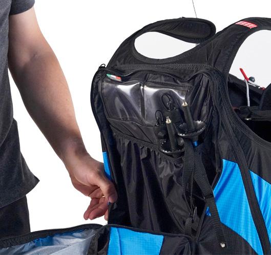 Größe Rückentasche mit rohrförmigen Fach für Trekkingstöcke